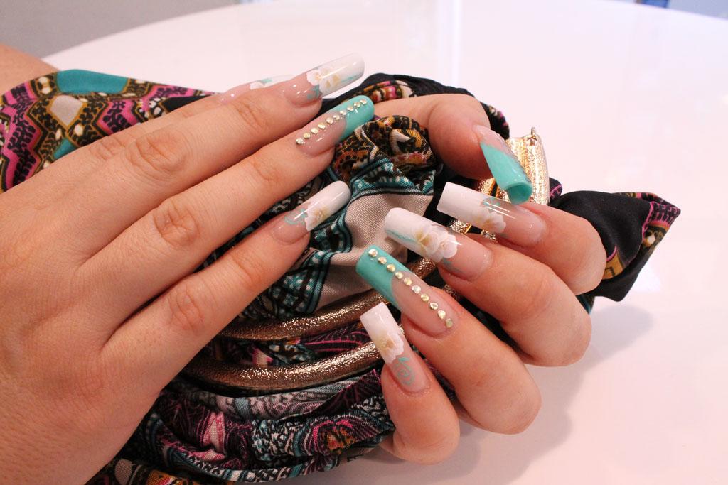 Élite Salón, uñas con acrílico